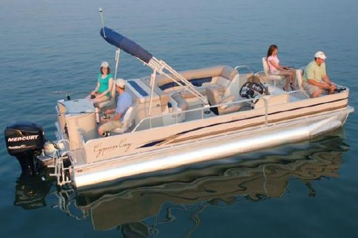 2010 Cypress Cay 220 Angler LTD
