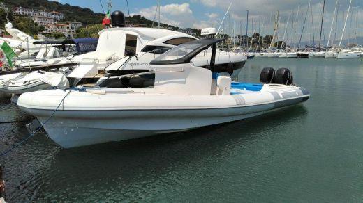 2012 Pirelli 1000 Cabin