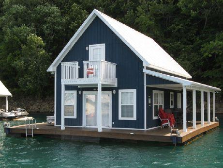 2005 Custom Built 1100sqft Floating House