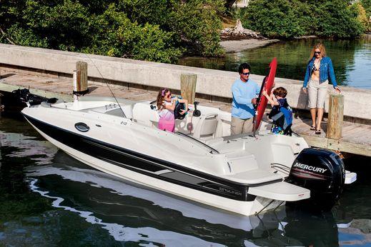2015 Bayliner 210 Deck Boat