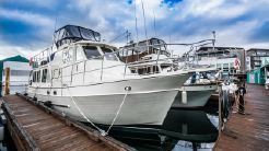 2010 North Pacific 43 Pilothouse