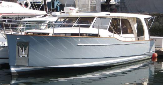 2014 Greenline 33 Hybrid