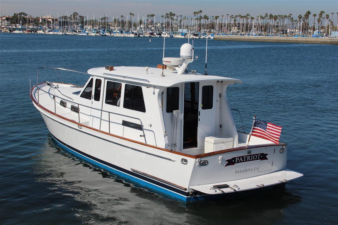 42 ft 2007 legacy yachts 42 sedan