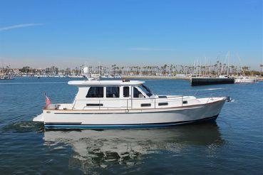 2007 Legacy Yachts 42 Sedan