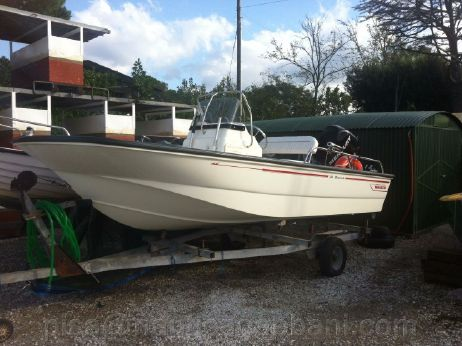 2011 Boston Whaler MONTAUK 150