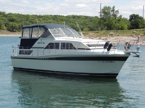1985 Chris Craft 381 Catalina Double Cabin