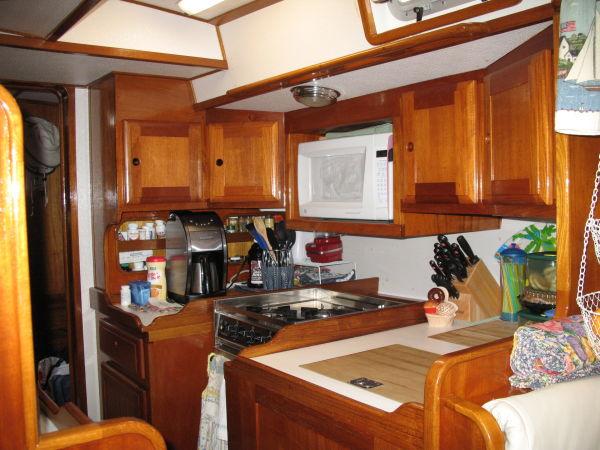 54' Polar Boat Cutter+Master vanity