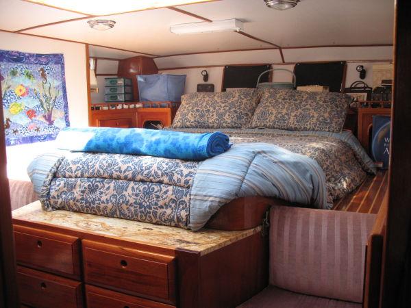 54' Polar Boat Cutter+Guest strm