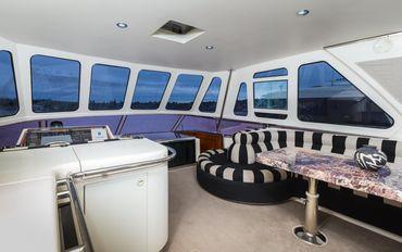 thumbnail photo 0: 2000 Horizon 70 Motor Yacht