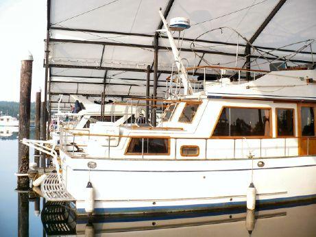 1981 Labelle Tri-Cabin Trawler