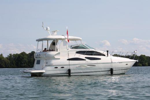 2007 Cruisers Yachts 455 Express Motoryacht