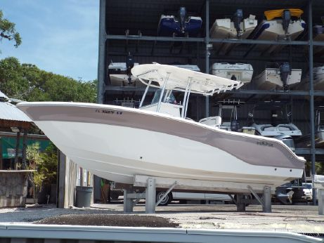2011 Sea Fox 256 CENTER CONSOLE