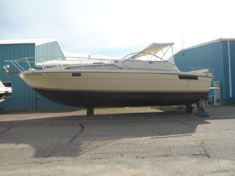 1982 Bayliner 3250 Conquest