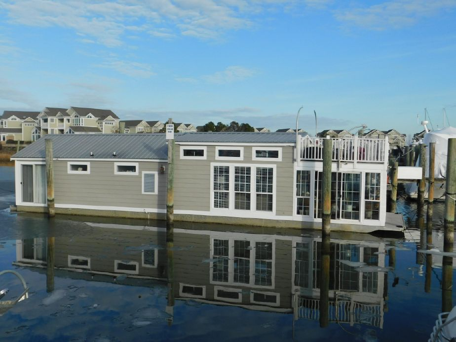 2008 Custom Harbor Homes Houseboat Power Boat For Sale - www ... on river homes, coast homes, train depot homes, beach homes, ocean homes, oceanside homes, newport homes, shed homes,