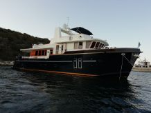 2011 Custom LUXURY TRAWLER YACHT