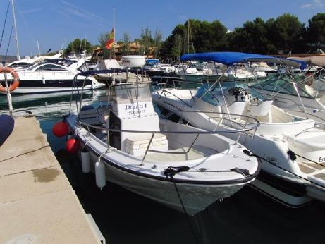 1996 Boston Whaler 240 Outrage