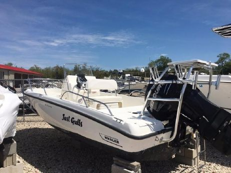 2011 Boston Whaler 180 Dauntless