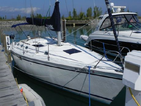 1988 Hunter 33.5 Sloop