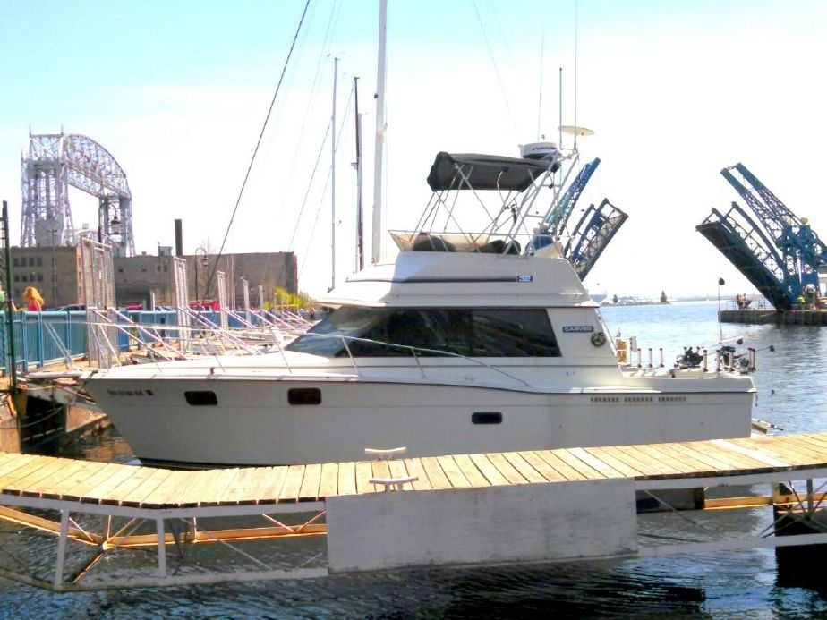 1988 Carver 3227 Convertible Power Boat For Sale - www