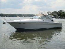 1997 Sea Ray 370 Express Cruiser