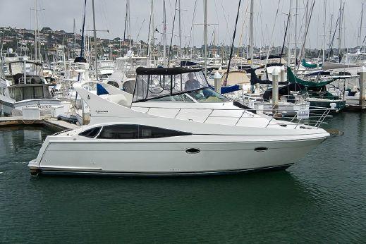 2004 Carver 36 Mariner