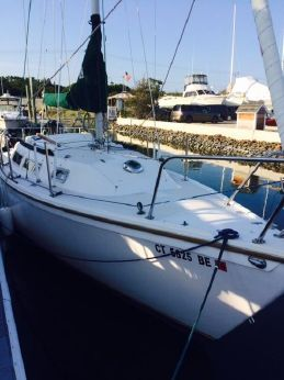 1985 Catalina 25 fixed keel pop top