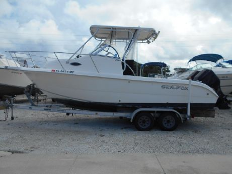 2004 Sea Fox 230 Walk Around