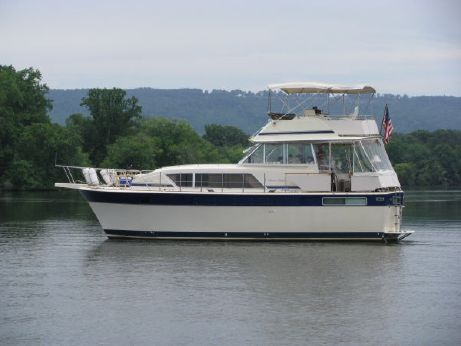 1984 Chris Craft 410 Motor Yacht