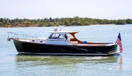 2000 Hinckley Picnic Boat