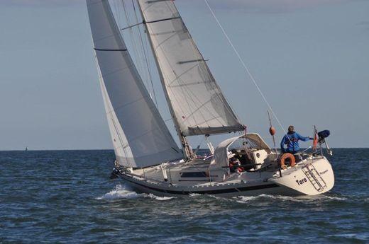 1983 Beneteau First 35