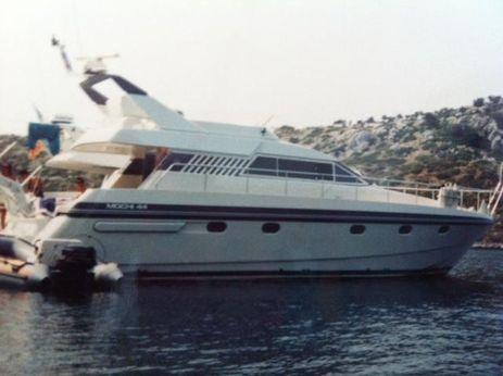 1990 Mochi Craft 44'