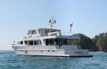 thumbnail photo 0: 2013 Offshore Yachts 90 Voyager