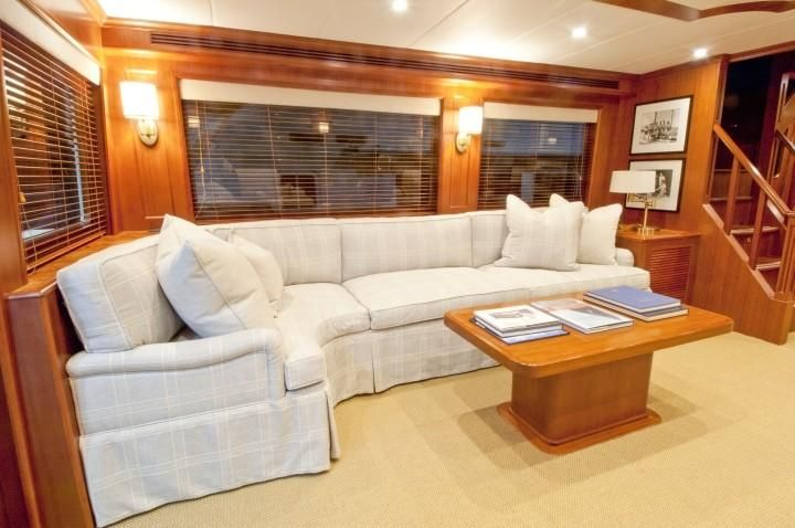 Offshore 90 Voyager Interior Salon