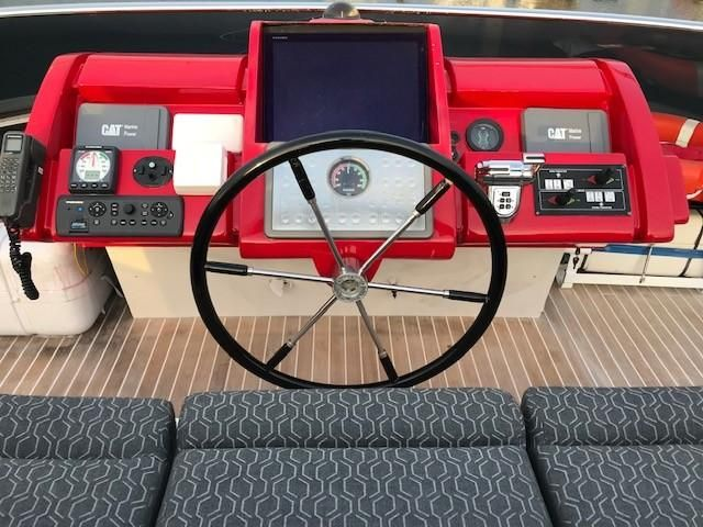 Amer 92 Yacht Flybridge Helm