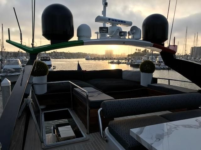 Amer 92 Yacht Flybridge Lounge