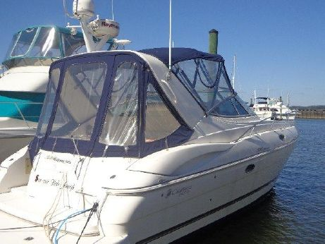 2005 Cruisers Yachts 320