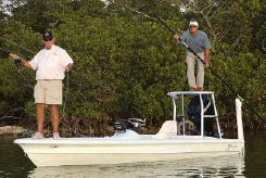 2010 Yellowfin 17 Skiff