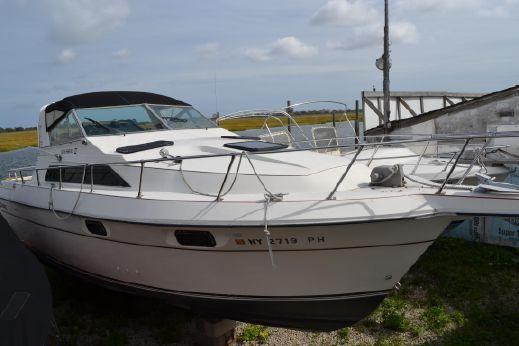 1985 Cruisers Yachts 291 Sea Devil