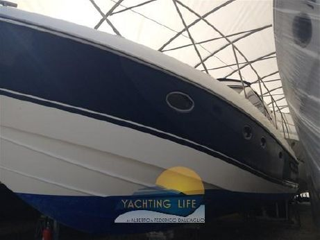 2001 Princess Yachts V 42