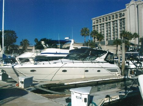1996 Trojan 440 Express Yacht