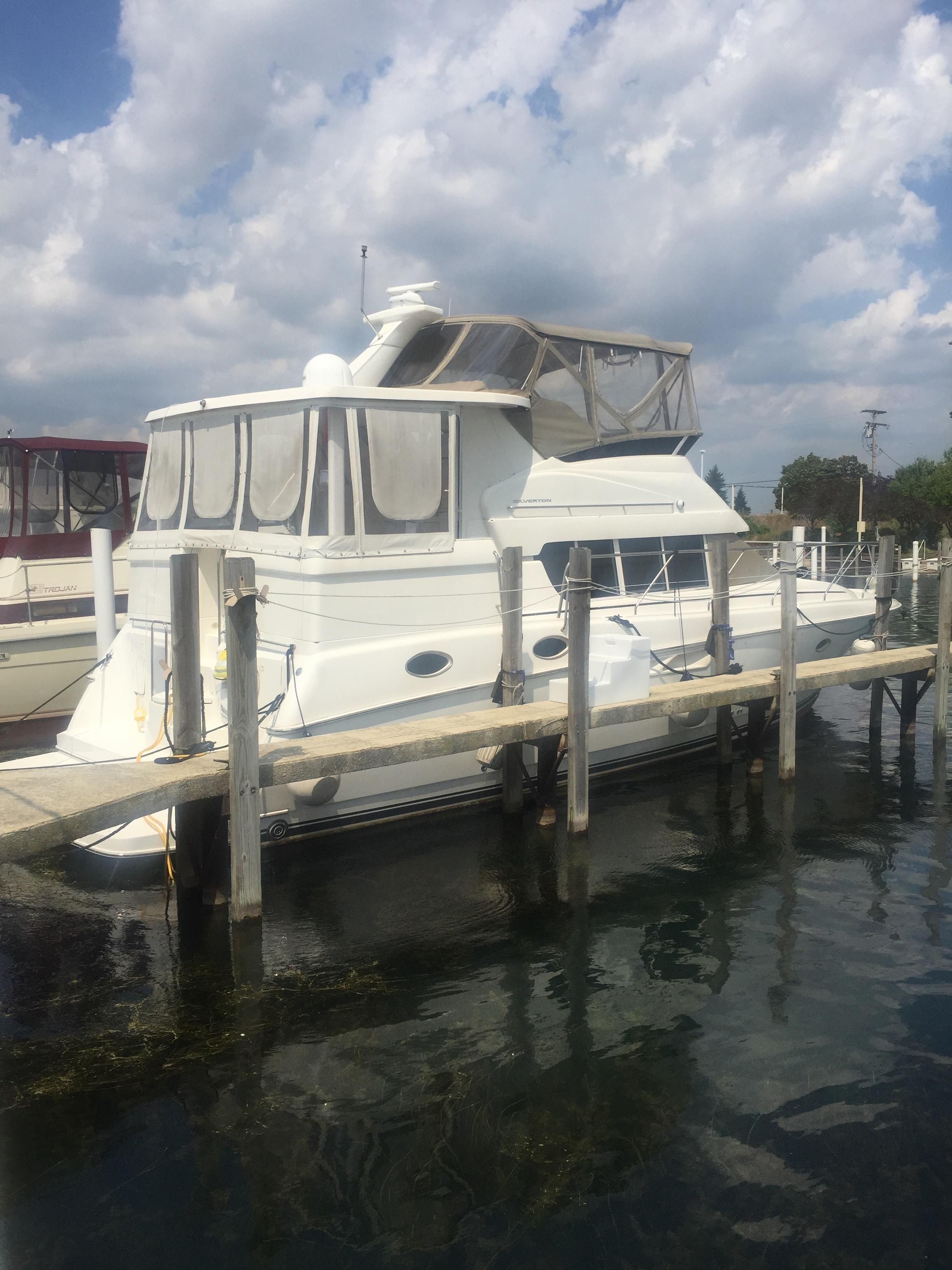 Big Ships Engine Rooms: 2000 Silverton 422 Motor Yacht Motor Yacht For Sale
