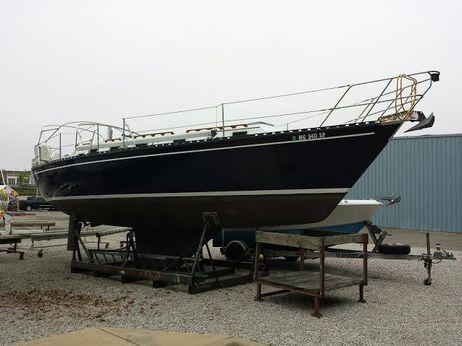 1985 Endeavour 33