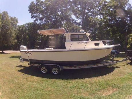 2013 Parker 2520 Sport Cabin