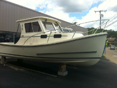 2013 Eastern Boats 248 Explorer