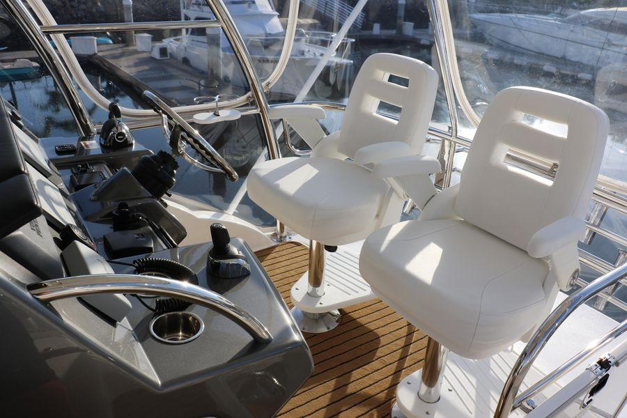 Riviera 43 Open Flybridge Helm Seats