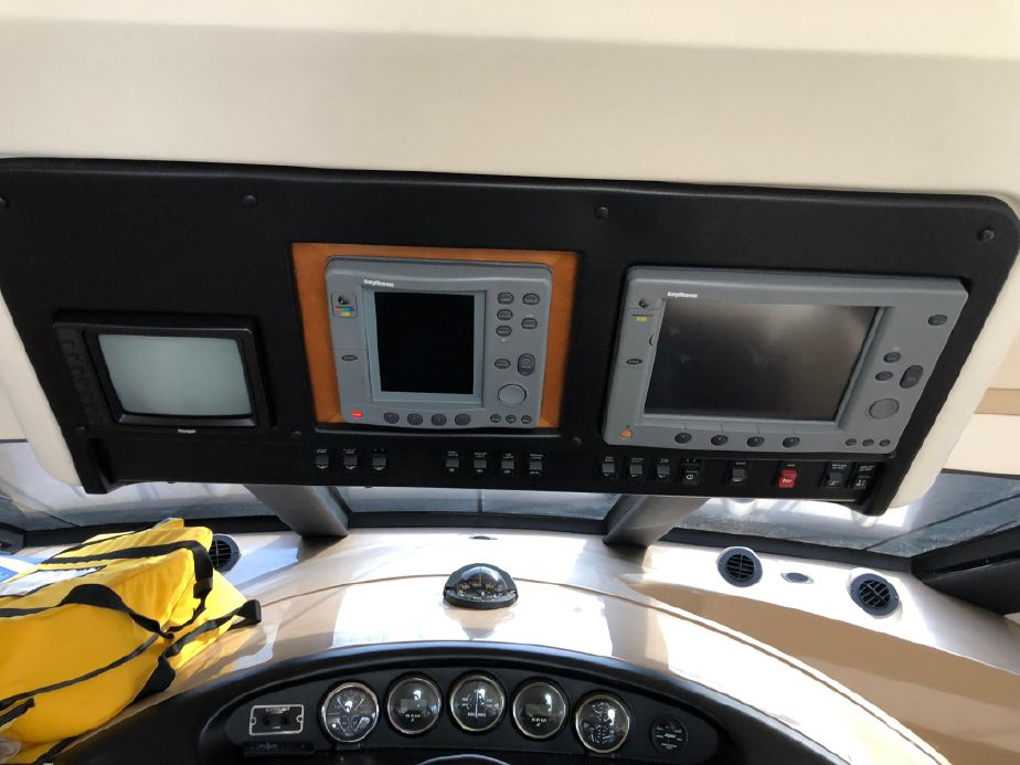 2000 Carver 530 Voyager Pilothouse Power Boat For Sale - www