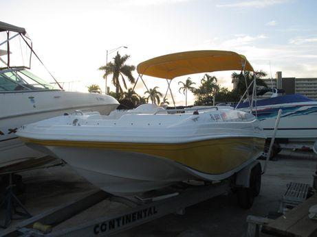 2011 Hurricane 187 sun deck