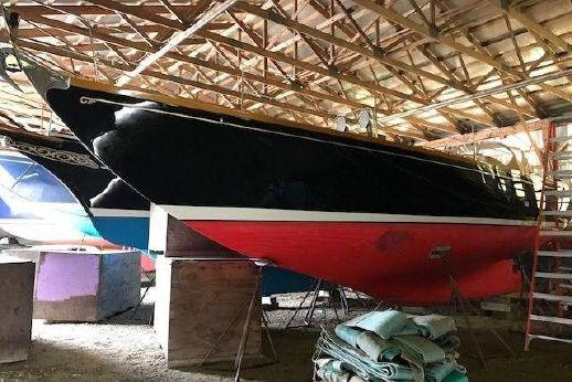1984 Hinckley Bermuda 40 MK III Sloop