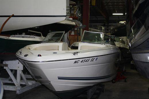 2001 Sea Ray 230 Bow Rider Select