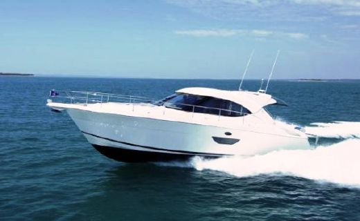 2016 Riviera 4400 Sport Yacht